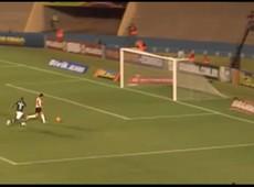 Goi�s x Corinthians - Gol perdido por Pato