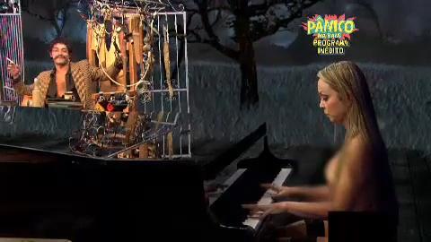 Assistir o Poderoso castiga 02-03-2014 com Suzy Pianista