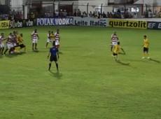 Jadson cobra linda falta e faz Corinthians 2 a 0