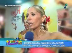 Adriane Galisteu se emociona após ficar 4 anos fora do Carnaval