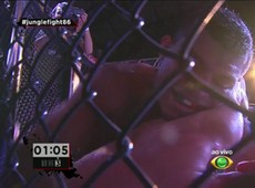 Naldo Silva fatura cinturão do Jungle Fight