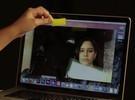 Fita adesiva na câmera do notebook? Sim, isso pode funcionar