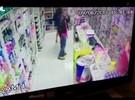 Dupla rende funcionários e rouba dinheiro e objetos de farmácia no DF