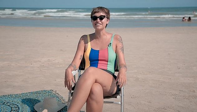 VivaBem no Verão  será que o sol só seca a acne ou também causa espinhas  -  17 01 2019 - UOL VivaBem 497340b98d