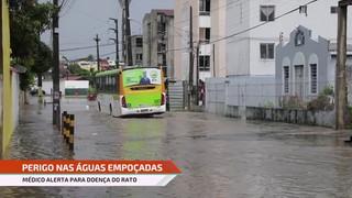 Médico alerta para perigos de contaminação nas águas das chuvas