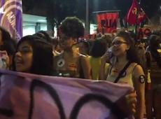 Manifestantes pedem o fim da violência contra a mulher em protesto no Rio -