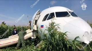 Avião faz pouso de emergência na Rússia