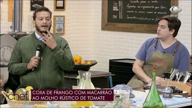 Coxa com macarrão: receita do Edu Guedes acompanha molho rústico