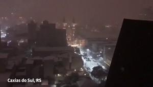 Cidades do sul do Brasil registram neve
